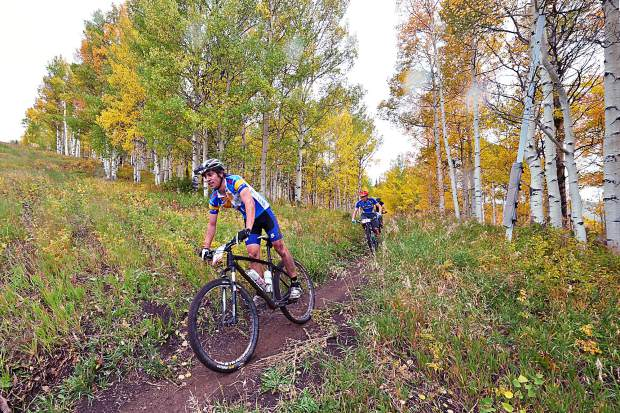 Mountain Biking in Aspen Snowmass / Aubree Dallas for The Aspen Times