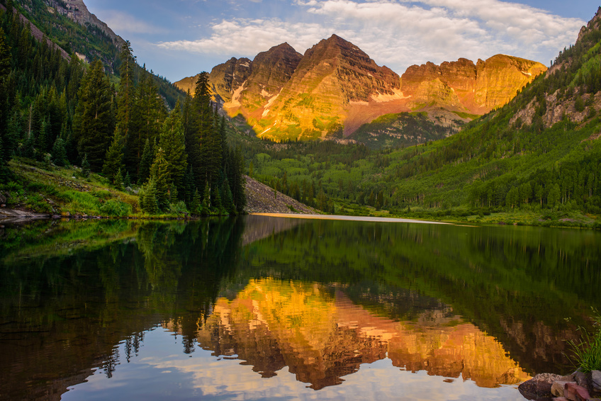 Maroon Bells in Aspen, CO in the summer