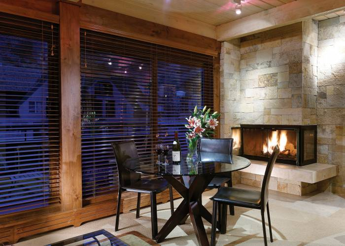 Aspen Square Hotel One Bedroom/One Bath: Dining Room