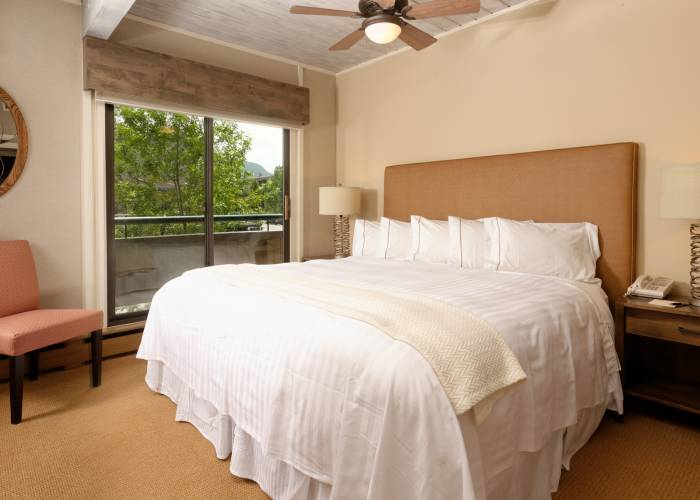 Aspen Square Hotel One Bedroom/One Bath: Bedroom