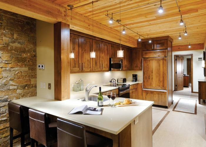 Aspen Square Hotel Three Bedroom/Three Bath Top Floor: Kitchen