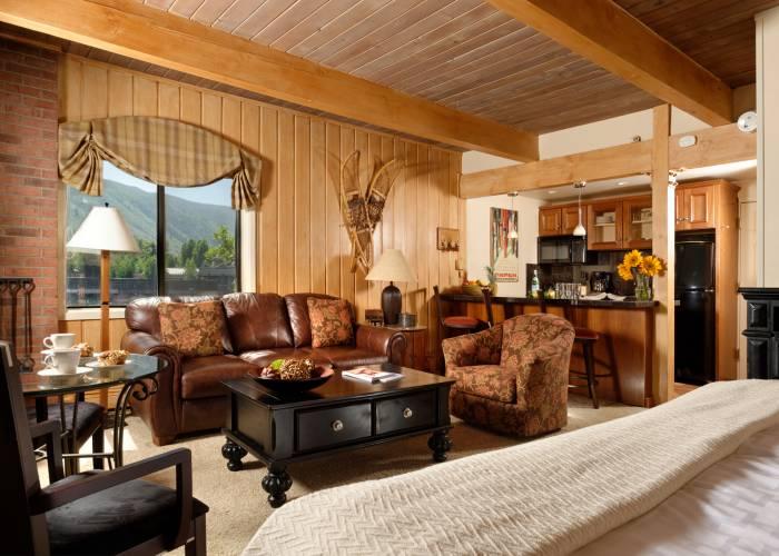 Aspen Square Hotel Fireplace Studio Apartment: Studio