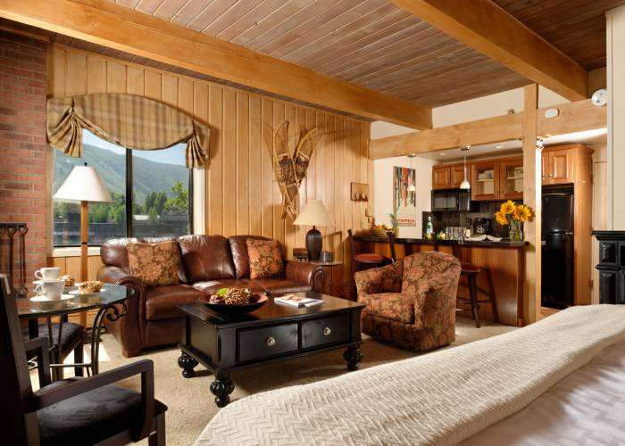 Aspen Square Hotel Fireplace Studio: Studio