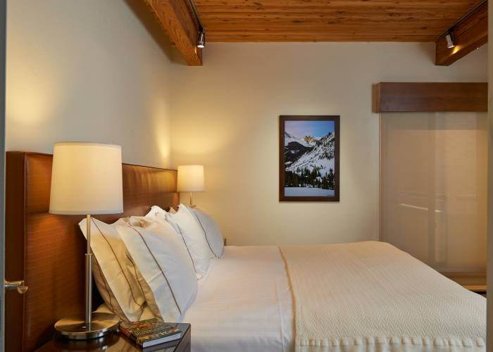 Aspen Square Hotel Two Bedroom/Two Bath: Master Bedroom